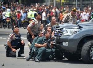 雅加達爆炸至少7死 約有14名槍手涉案