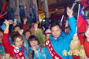 吳育仁步行噴水圓環抗議 市選委會:協調結果