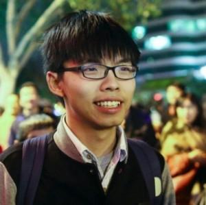 香港學運領袖黃之鋒 現身凱道挺小英