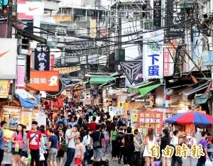 限縮中客台灣經濟衰退?他說「這樣」的倒閉不壞