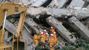 台南震災累計15死  現場持續搜救中