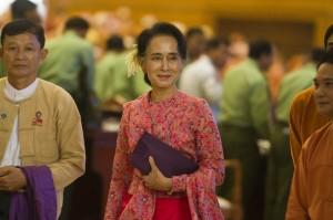 力爭突破憲法障礙  翁山蘇姬有望成為緬甸新總統