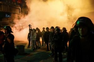 香港旺角警民衝突 上午提訊被捕大學生