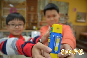 犧牲午休、休假 學進國小4生獲台灣發明展兩金