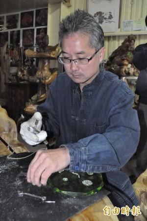 壓克力雕刻家楊福鎮 雕刻技法獨步全國