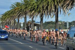 澳洲今辦裸騎單車活動 這兒有意外亮點……