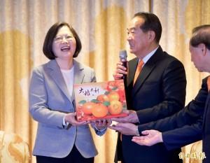 有「橘」?民進黨證實蔡英文邀宋楚瑜參加就職典禮
