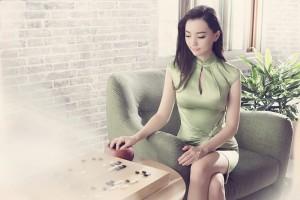 人機再對奕 美女棋士黑嘉嘉對決台版AlphaGo!