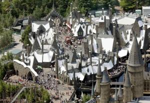 日環球影城去年入園人數創新高 東京迪士尼卻下滑