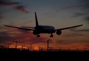 日方要求重飛 強國客機駕駛「收到」卻直接降落