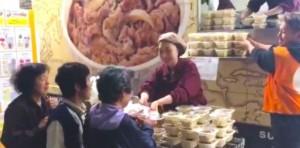日連鎖餐飲店挺進災區送便當 令網友大讚