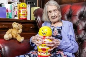 長壽秘訣是什麼?109歲嬤淡淡地說:避開男人