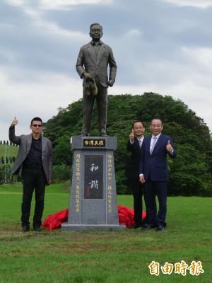 基隆擁恆立「台灣英雄」碑 竟是中國前總理溫家寶