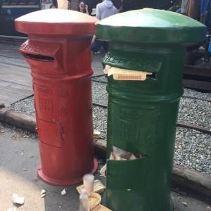 沒水準!復古郵筒竟被當垃圾桶