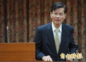 翁啟惠突獲准請辭 院士替他喊冤:外界未審先判