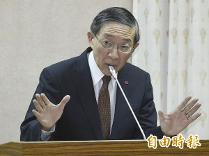 外交部長:護照貼「台灣國」影響國家公信力