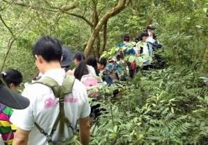 登山初體驗 竹縣清水國小學童攀下橫坑山