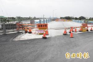彰化洋仔厝溪堤岸道路將完工 預計7月通車