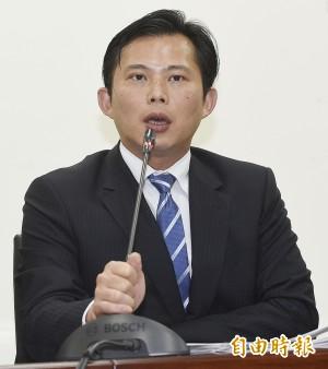 改革無成效  黃國昌要司法院正副院長下台