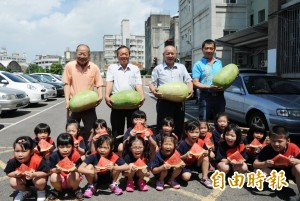 福興西瓜節 6000台斤西瓜「吃免驚」