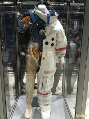 蝦密! 原來太空人喝的水是自己的尿
