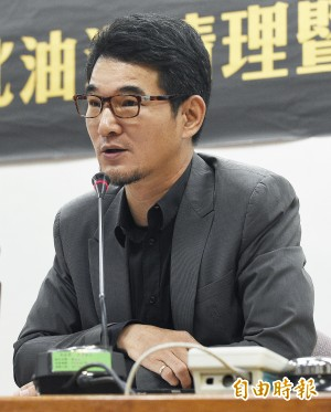 劉建國情史豐富 曾與蕭美琴、陳瑩傳過三角戀