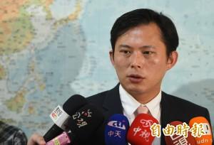 藍委抗議美豬卻不見洪秀柱 黃國昌:黨主席應站出來