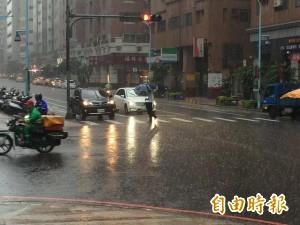 桃園成水鄉澤國 日累積雨量前三名都在桃園