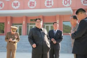 北韓宣導禁菸 金正恩卻公然吸菸
