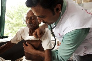 印度5醫院 拒絕給窮人治病遭罰