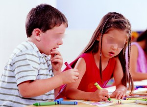 不滿正規性教育 他們做愛給兒女看還要求練習