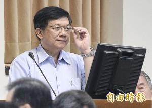 綠委諷經長李世光 「別被文官押著走」
