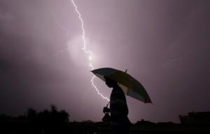 印度過去2天至少67人遭雷擊身亡