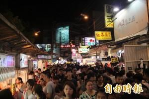 為夜市解套 中市公布施行攤販集中區自治條例