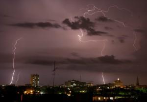 印度雨季致命閃電 2天至少劈死93人
