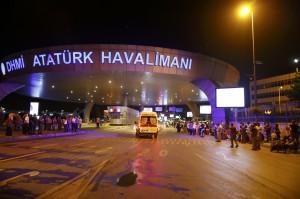 土耳其最大機場疑遭恐攻 36死147傷(不斷更新)