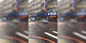 忍者龜現身?新北新莊降大雨 人孔蓋「蹦蹦跳」