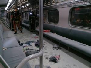 黑衣男炸火車 嫌犯可能混在25名傷者中!