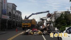 高雄市救災車大隊到 台東市豐盛路今將復原