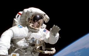 NASA研究發現 太空人長期任務會讓眼球變形