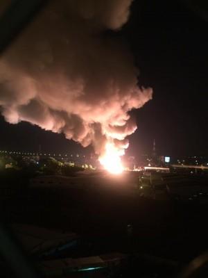 高雄大樹工廠旁空地爆炸 火光沖天