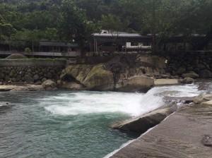 瀑布旁滑倒 三峽大豹溪傳男子溺水