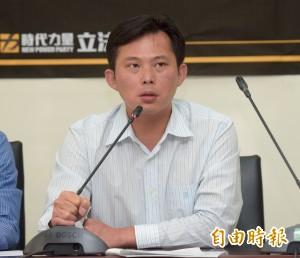 綠力推「一例一休」修法 黃國昌嗆:騙人法案