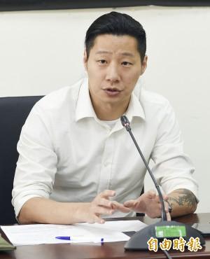 藍委頻頻阻礙發言 林昶佐怒嗆:不要插嘴