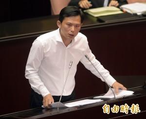國民黨值班表出爐 黃國昌痛批過太爽