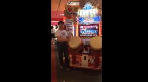 日本「真‧太鼓達人」在此 不用看螢幕都能打贏你!