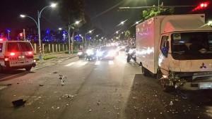 疑開車分心 貨車駕駛路口擦撞救護車