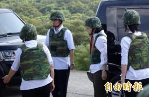 悼坦克翻覆4殉職官兵 蔡英文核定追晉一級