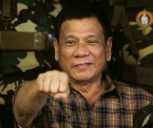 菲警察總長狠話狂出 杜特蒂驚:怎麼比我猛