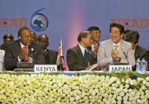 日本被說成中國 安倍微笑:沒關係